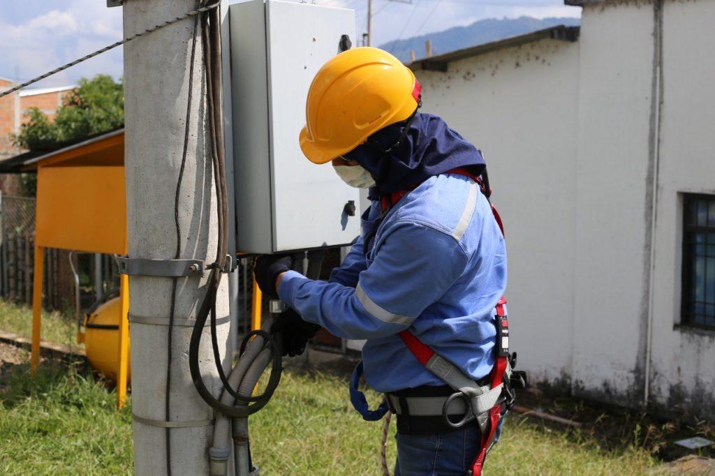Electrohuila avanza con proyectos de energización para el Departamento